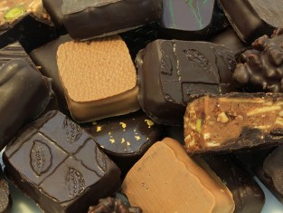 co oznacza biały nalot na czekoladzie, skąd się bierze biały nalot na czekoladzie